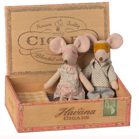 souris maileg 16-1740-01 mum dad mice in cigarbox