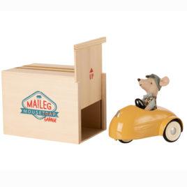 Voiture Maileg Jaune avec Garage en bois et Souris