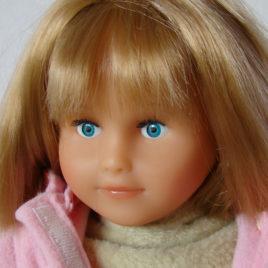 poupée blonde PETITCOLLIN Coline