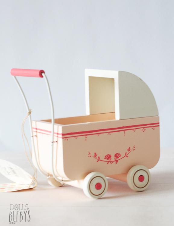 Landau maileg en bois rose et blanc small blebys for Fabriquer une chaise en bois