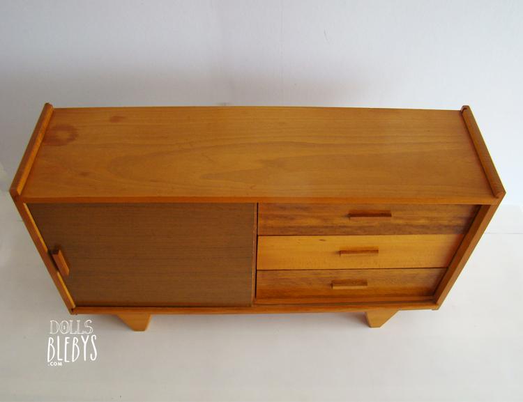 armoire commode poup es vintage 1950 blebys. Black Bedroom Furniture Sets. Home Design Ideas