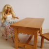mobilier poupées présenté avec barbie