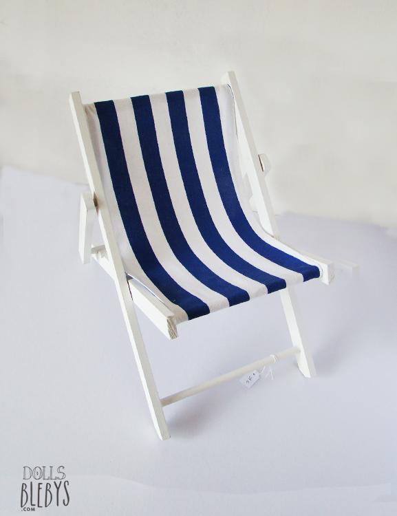 Chaise longue ray e en bois blanc blebys for Chaise longue bleu turquoise