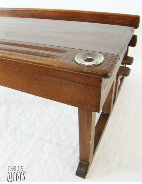 pupitre bois vintage avec encriers grand mod le pour jouer l 39 cole. Black Bedroom Furniture Sets. Home Design Ideas