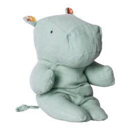 hippo-maileg-bleu-ciel-22-cm-existe-en-33-cm-safari-friends
