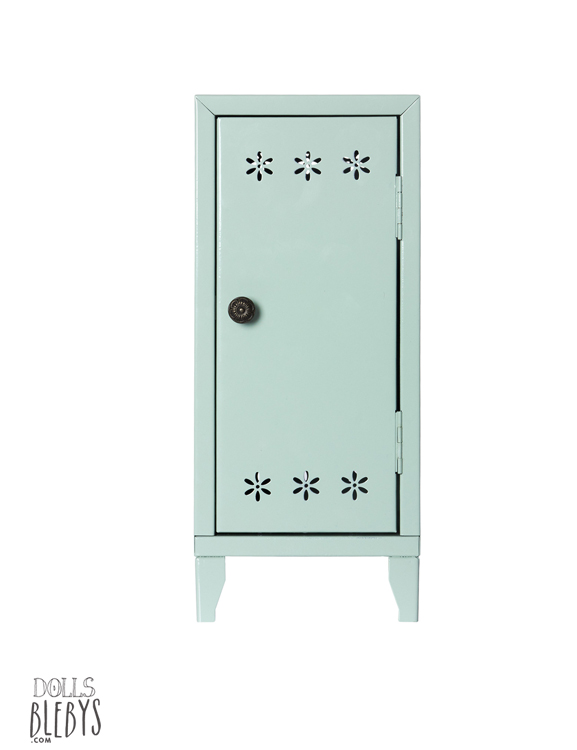 maileg armoire penderie verte en m tal livr e glace et 3 cintres habill s. Black Bedroom Furniture Sets. Home Design Ideas