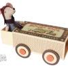 maileg-souris-grand-frere-avec-boite-equipee-de-roues
