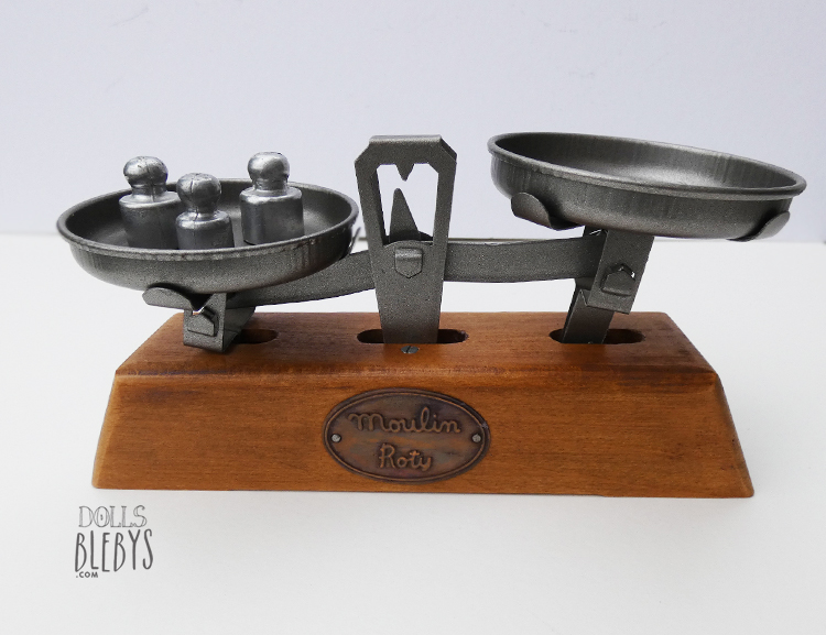 balance moulin roty en bois pour jouer la marchande look vintage. Black Bedroom Furniture Sets. Home Design Ideas