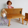 mobilier poupées 1960 avec poupées présentation 29 cm et 33 cm