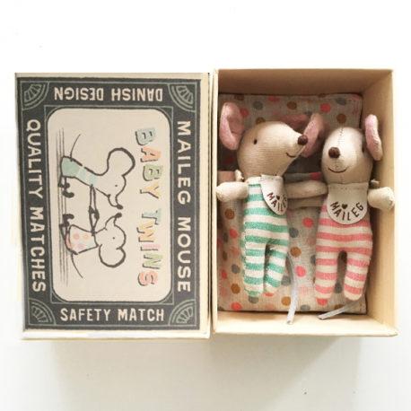 maileg souris bébés avec couchage et boîte allumettes
