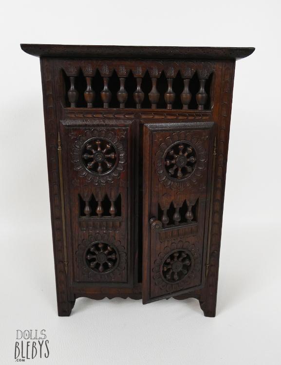 Armoire bretonne miniature pour poup es ou d coration int rieure - Un armoire ou une armoire ...