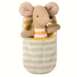 bébé maileg souris avec sac de couchage