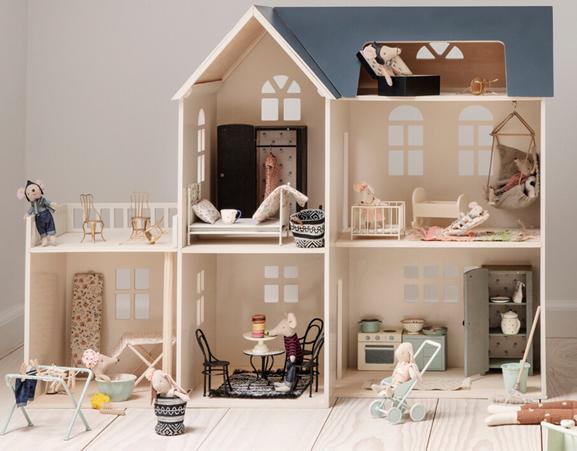 Maison de poupée Maileg et son extension